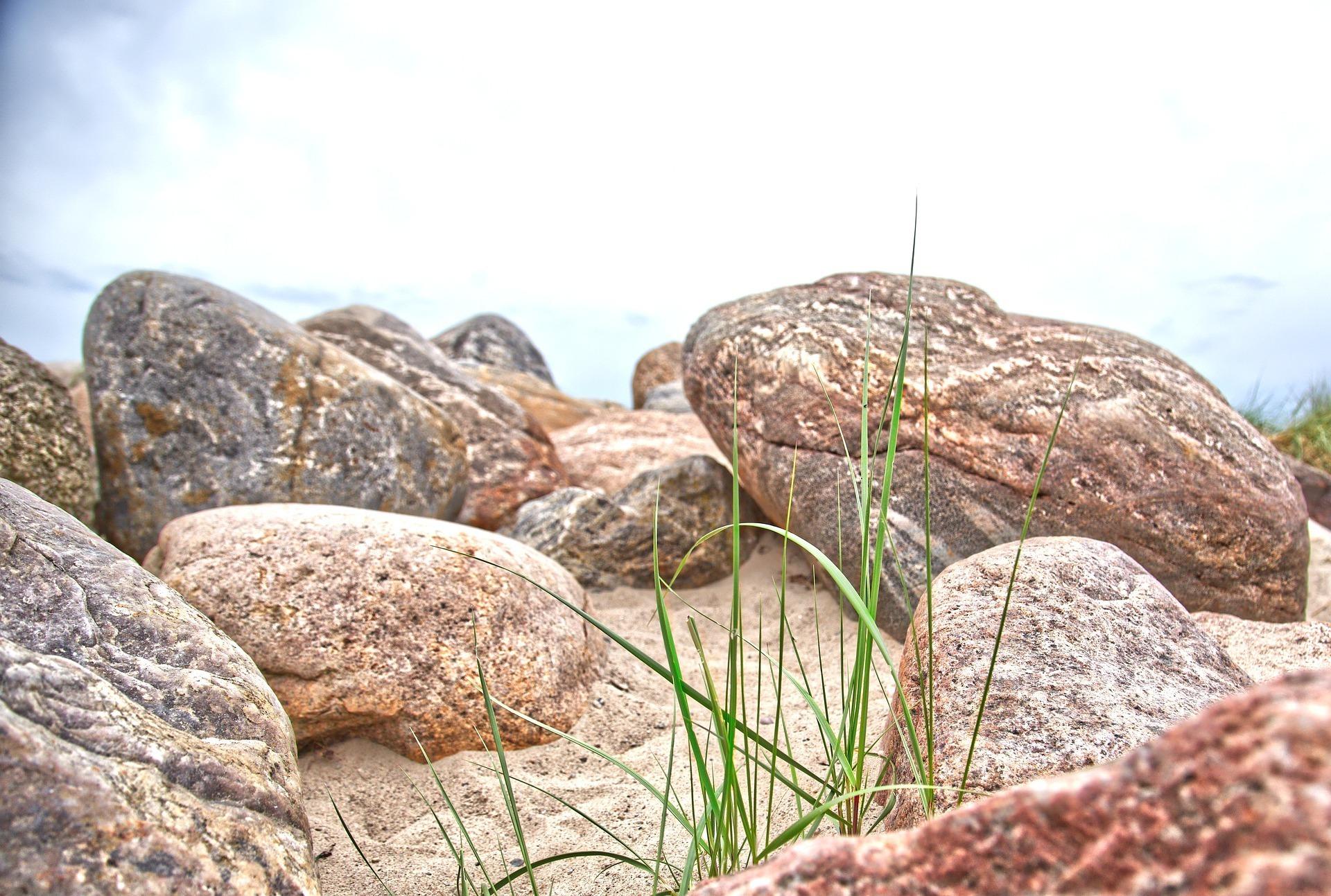 rocks-5428868_1920